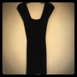 Black max studio dress